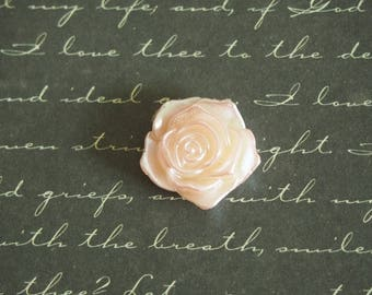 2 pink blush and Pearl acrylic 18mm flower appliques