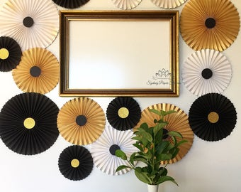 Black and gold paper fans backdrop/Wedding backdrop/Baby shower/Bridal shower/Birthday party/Dessert table/Engagement/Cake smash/Set of 20