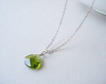 Peridot Swarovksi crystal necklace, Silver necklace, Crystal necklace, Wedding necklace, Bridesmaid gift, Peridot necklace