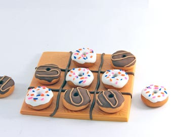 """Game of Tic Tac Toe """"donuts"""""""