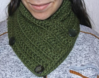 Green Infinity Scarf / Handmade /Winter Scarf  /Handmade Scarf /Crochet Scarf/ Winter Accessory / Lady Scarf // Circle Scarf