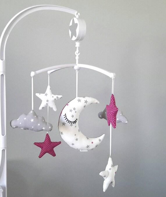 mobile musical lune toiles et nuages blanc gris et rose. Black Bedroom Furniture Sets. Home Design Ideas