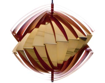 KONKYLIE (Conch) pendant by Louis Weisdorf, LYFA, 1963. Danish mid century design. Amazing and extremely attractive golden ceiling light