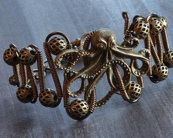 Steampunk Jewelry - Bracelet  Antique bronze octopus