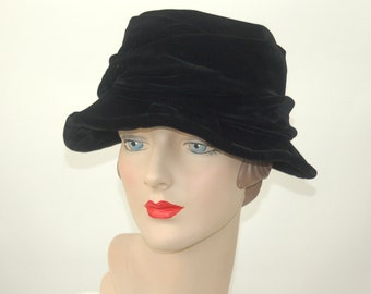 1930s cloche hat black velvet hat wave brim Size 21