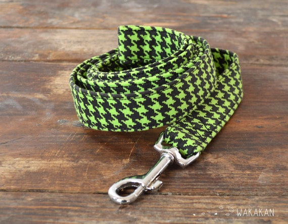 Leash for dog model Houndstooth Black and Mint. Handmade with 100% cotton fabric and webbing. Two width available. Wakaka
