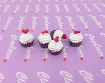 Cupcake with Heart cabochons
