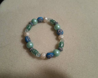 Acrylic beaded bracelet