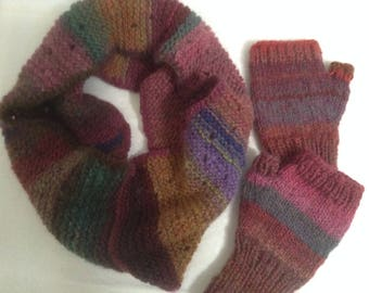 Knitted Cowl/ FingerlessGloves Set in Variegated Red/Blue/Brown ,Wool Blend Soft Yarn