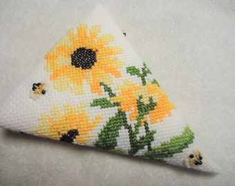 Black Eyed Susans and Beaded Bees Scissor Case