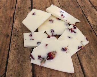 4 oz Rose Vanilla Brittle Candle Melts