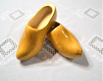 Vintage Dutch Wooden Shoes Hand Made Marked 5 PanchosPorch