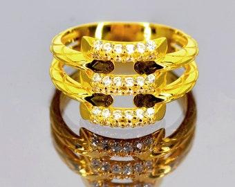 Vera gold ring - 14 k - 3.74 g fancy yellow