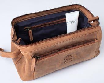 LEATHER WASH bag / DOPP Kit / Toiletry Bag - Groomsman gift / Anniversary