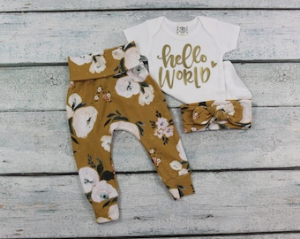 newborn baby girl coming home outfit/coming home set/baby girl floral outfit/bringing baby home/hello world