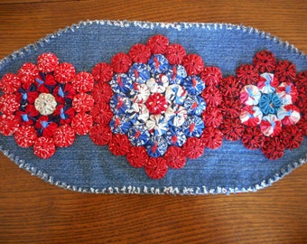 Red, White and Blue Mini Yoyo Table Topper