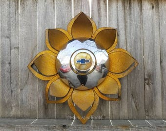 Free shipping - Chevy hubcap flower with lotus petals rusted metal wall hanger yard art