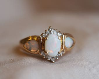 Amazing, incredibly unique vintage 10K yellow gold Opal and Diamond ring