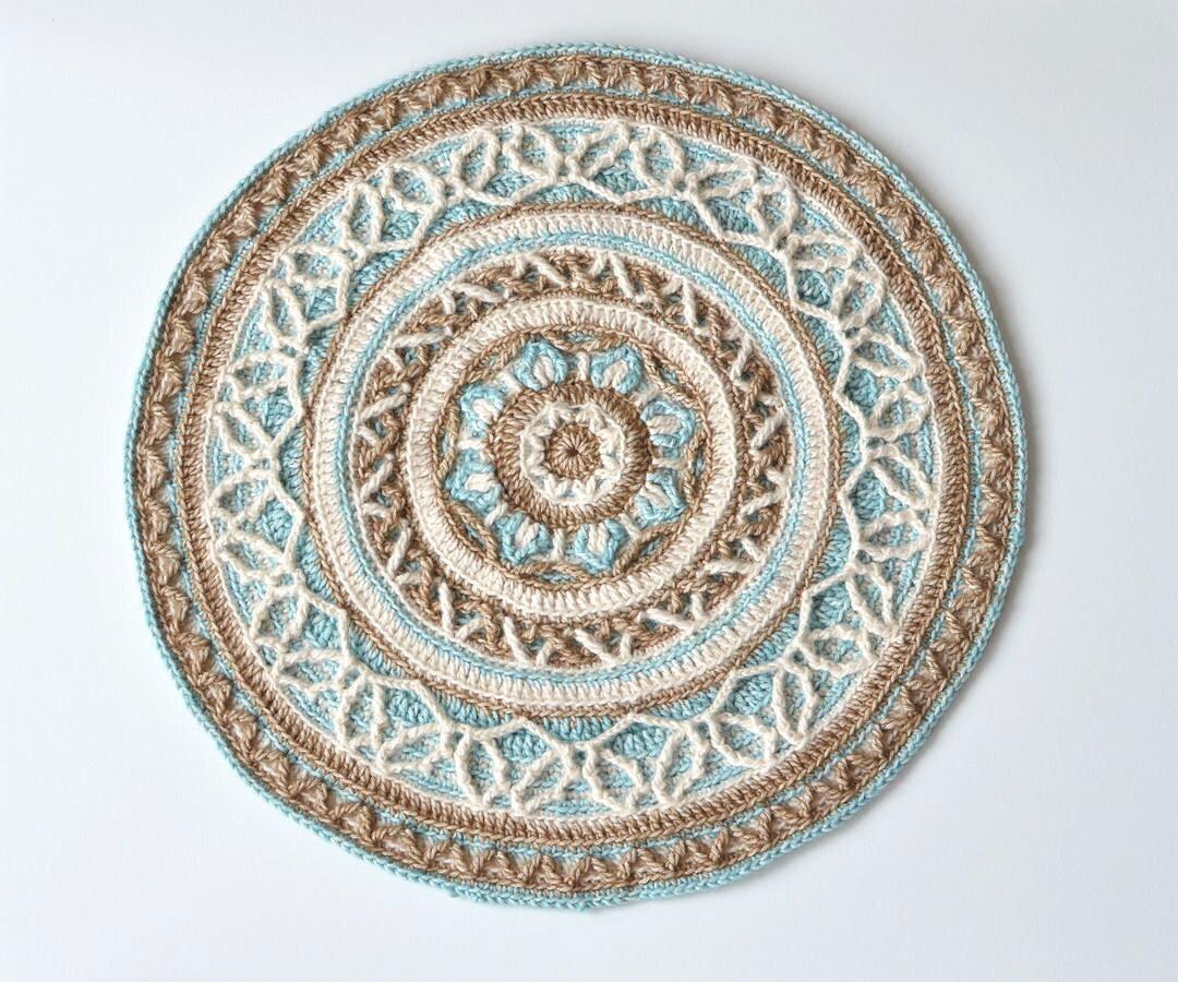 Muster Runde häkeln Mandala mit Kabel Overlay häkeln