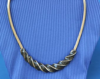 Brown and gold swirl necklace