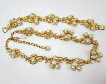 "1950s necklace and bracelet mini parure - faux pearl and gold tone metal - 18"" and 7.5"" lengths"