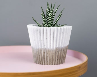 Black Planter - Concrete planter - Concrete Decor - Christmas Gift - Succulent Planter - Gift For Her - White Planter - White Planter