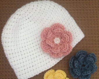 Child's winter hat with changeable flowers