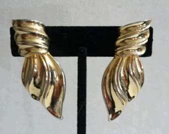 Vintage Gold Over Sized Clip On Earrings Trifari Inspired