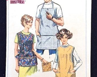 VINTAGE APRON Sewing Pattern - Misses & Mens Aprons Potholder 7974 Size Large
