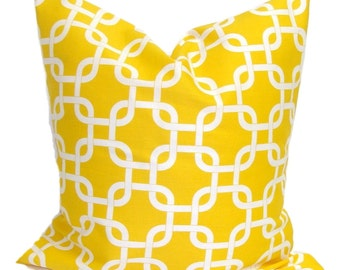 pillows beige set garden safavieh damask product decorative saffron of home yellow decor inch