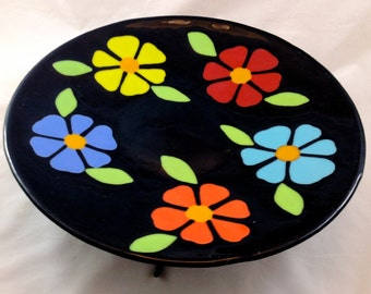 Gegossenes glas hell blühenden Platter