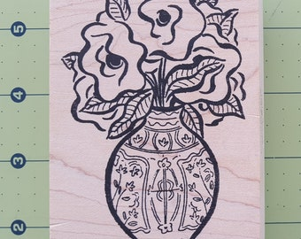 "Elegant Vase and Flowers Design - Hardwood Mounted Rubber Stamp by Ducks in a Row - 4.5"" X 2.75"""