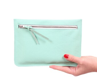 "Flat clutch ""Feli"" mint green//Genuine Leather"