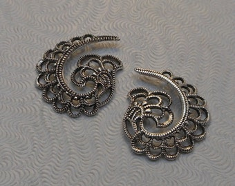 LuxeOrnaments European Filigree Antiqued Sterling Silver Plated Brass Pendants (Qty 1 left-right matched pair) 19x16mm A-30569-S