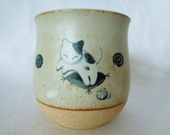 1506:Yunomi tea cup,Japanese Kyo-yaki pottery tea cup with original  box, made in Japan