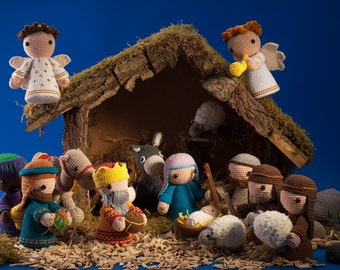 Complete nativity scene