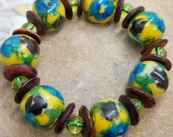 Large clay beads stretch bracelet 16 mm 8 inches yellow blue