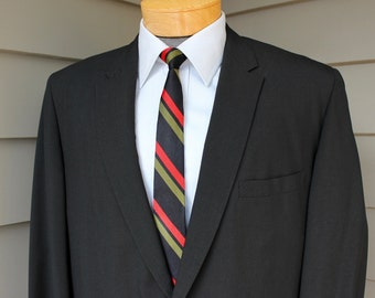 vintage 1960's -Tempo-Wate- Men's tropical weight sport coat. Black with Mohair look. 2 button 'sack' - Shaped shoulder.  Size 44 Long