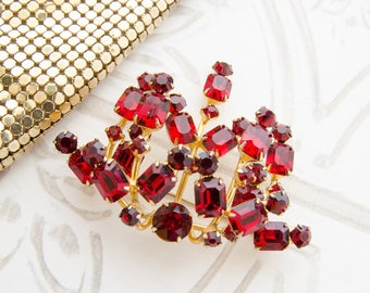 Red Brooch for Summer Wedding - Vintage Rhinestone Brooch - Designer Jewelry - 1950s Red Crystal Pin - Rockabilly Bridesmaid Gift