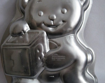 Wilton 1995 Teddy Bear with Blocks Cake Pan