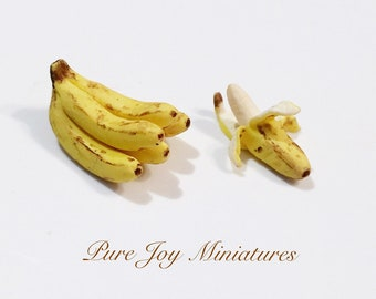 Dollhouse Miniature Food - Miniature polymer clay bananas