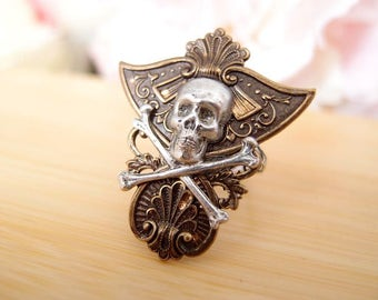 Medieval shield skull Ring-adjustable-steampunk-Victorian-edgy chic- statement-armor ring VS025