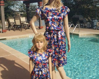 28 - Mother daughter dresses / Mommy and Me Dresses | Matching Mother Daughter Dresses/ Mother Daughter Matching / blue red flowers