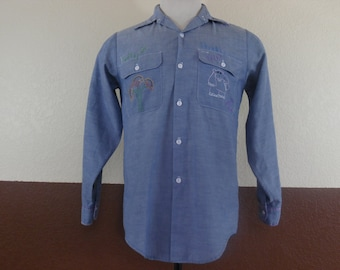 Vtg 1970s Big Mac J.C. Penney Embroidered Puppy Hippie Chambray Shirt 50/50 Made in USA