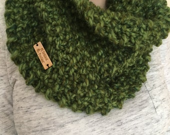READY TO SHIP Hand knit cowl, chunky cowl