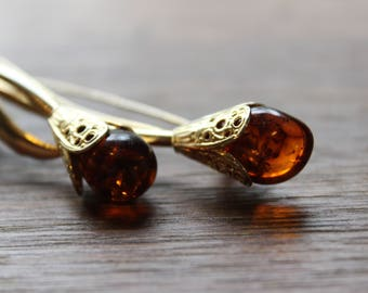 Vintage Gold Tone Floral Brooch with Amber Buds
