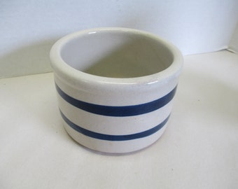 Vintage Roseville pottery small crock used good condition