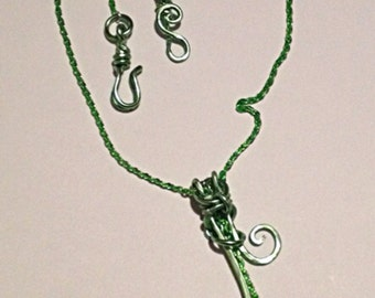 Handmade MWL Forged Green and Silver Necklace
