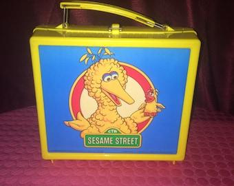 Collectible Vintage 1985 Aladdin Sesame Street Big Bird Plastic Lunch Box