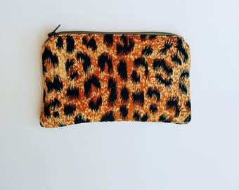 Cheetah Print Zipper Clutch